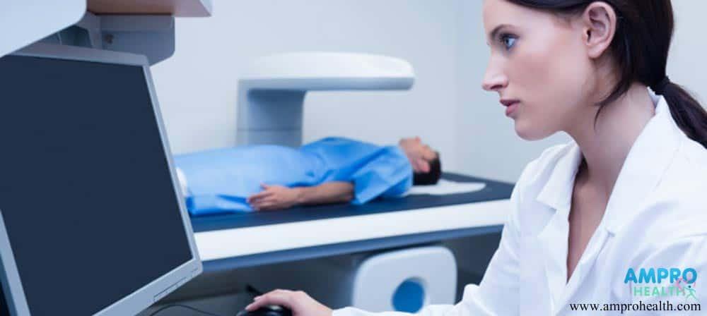 ผลกระทบจากการรักษาร่วมระหว่างการฉายรังสีและเคมีบำบัด